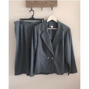 2-Piece Charcoal Gray Skirt Suit
